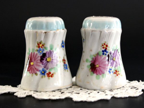 Salt and Pepper Shakers, Hand Painted China, Salt and Pepper, Made in Japan, 1950s 13185 - The Vintage Teacup