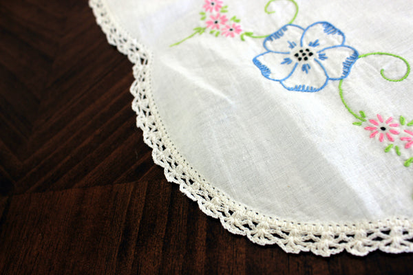 Embroidered Table Runner, Vintage Linen Table Scarf, Crochet Lace Edging 13302 - The Vintage Teacup