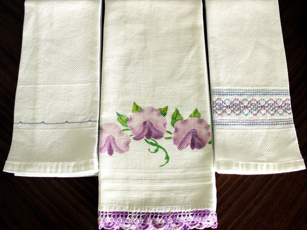 3 Guest Towels, Assorted Fingertip Cloths, Vintage Linens 13477 - The Vintage Teacup - 2