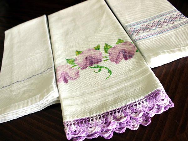 3 Guest Towels, Assorted Fingertip Cloths, Vintage Linens 13477 - The Vintage Teacup - 1
