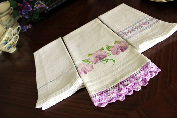 3 Guest Towels, Assorted Fingertip Cloths, Vintage Linens 13477 - The Vintage Teacup - 7