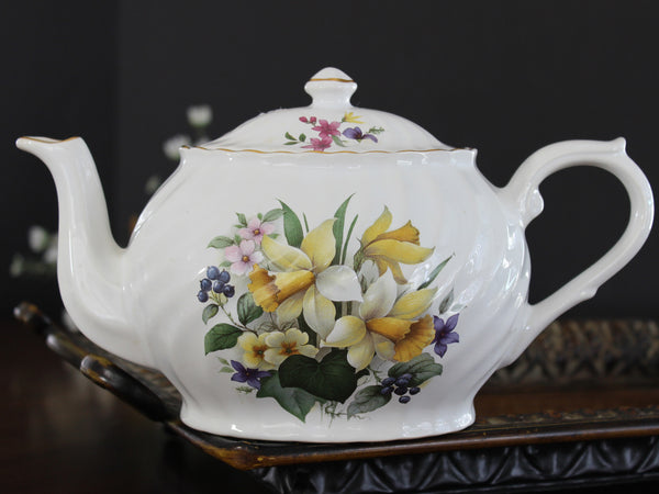 Price Kensington, Oval Teapot, 4 to 6 Cup Large Tea Pot, Spring Daffodils 14015