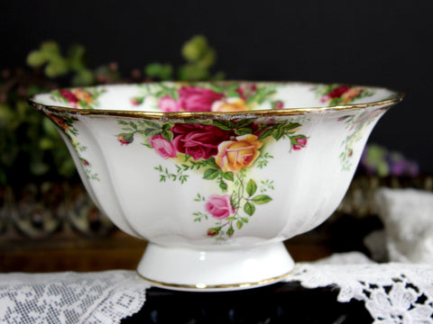 Royal Albert, 1962 Country Roses, Small Footed Bowl, 6.75 Inch Dish, English Bone China 14168