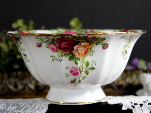Royal Albert, 1962 Country Roses, Small Footed Bowl, 6.75 Inch Dish, English Bone China 14168 - The Vintage Teacup