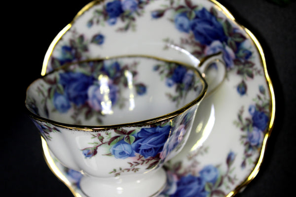 Stunning Royal Albert Midnight Rose Teacup, Avon Shaped Cup and Saucer 14232