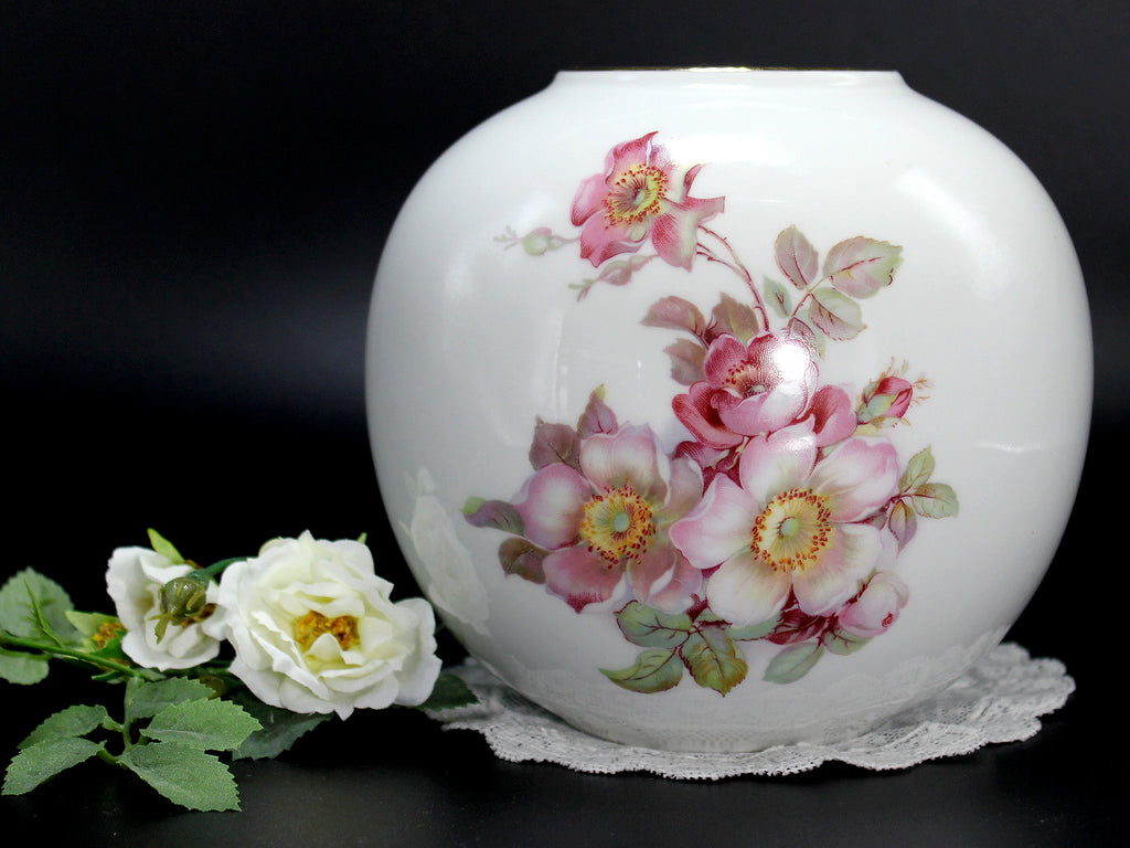 Gerold Porzellan Tetjau Bavaria Vase, Pink Dogwood Roses on White, Made in Germany 14250