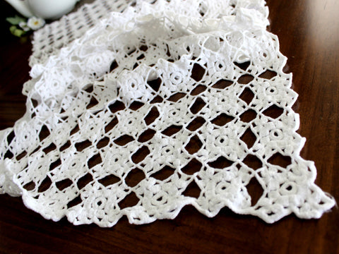 Crocheted Table Runner, White Table Scarf, Vintage Table Linens, Handmade 14366