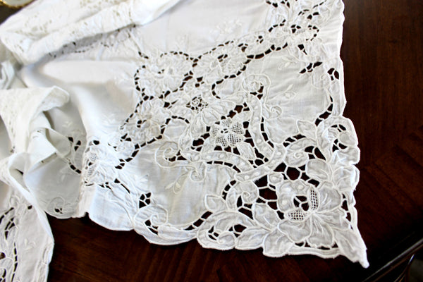 Large White Linen Tablecloth, Wedding Linens, Table Cloth, Vintage Embroidered 14555
