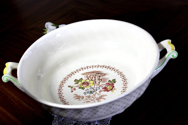 DAMAGED Royal Doulton, Grantham Lidded Vegetable Bowl, Made in England 14839 - The Vintage Teacup