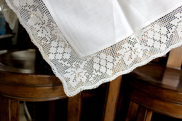 Antique Tablecloth, Linen Table Cloth Handmade Filet Crocheted Accent and Edges 15031