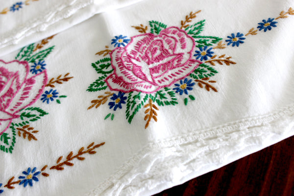 Vintage Pillowcases, 2 Pillow Cases, White Cotton Pillow Slips, Embroidered Roses 15271