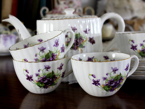 Radford, Dessert Set, Teapot, 3 Teacups and Saucers, Violets 15291