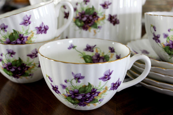 Radford, Dessert Set, Teapot, 4 Teacups and Saucers, Violets 15291 - The Vintage Teacup