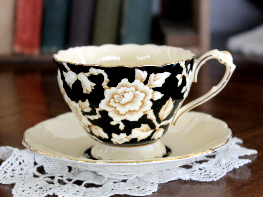 Paragon Single Warrant, Black Chintz Gardenia, Tea Cup, Teacup and Saucer 15350