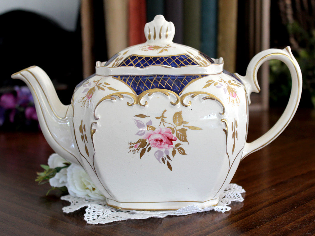 Sadler Cube Tea Pot, Vintage Teapot, Floral 4 Cup Teapot, Made in England 15451