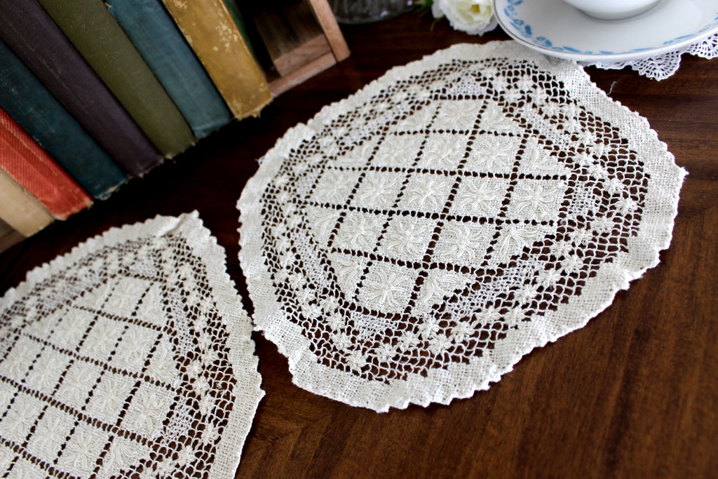 2 Filet Lace Doilies, Filet Worked Lace, Needle Lace, Tray Cloth, Handmade Doilies 15553 - The Vintage Teacup