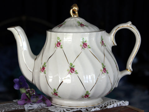 Sadler Teapot, Rosebud Chintz on Swirled Sadler Tea Pot, 4 Cup 15824 - The Vintage Teacup