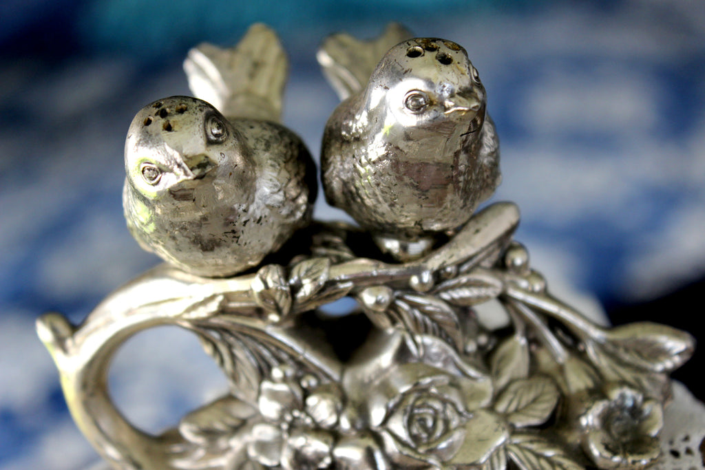 Metal Bird Salt and Pepper Shakers, Metal Stand 15906 - The Vintage Teacup