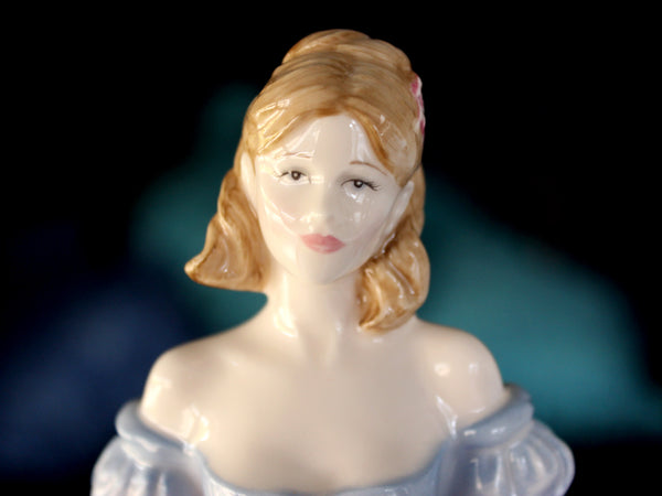 "Royal Doulton Lady Figurine ""Melissa"" Figure of the Year 2001 - Made In England 15911 - The Vintage Teacup"