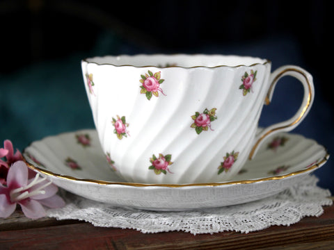 Aynsley Chintz Tea Cup and Saucer, Pink Roses on Swirled English Teacup 16039