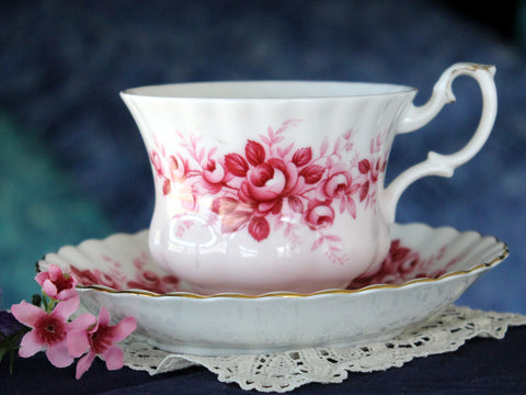 Royal Albert Serenade, Tea Cup & Saucer, Melody Series, Pink Roses Teacup 16103