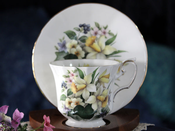 Daffodil Tea Cup, Elizabethan, Flowers of the Season, Teacup & Saucer 16108