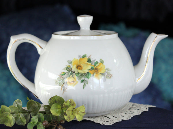 Wood & Sons ELLGREAVE Teapot, With Yellow Dogwood Roses 16110