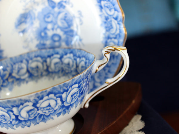 Beautiful Blue & White Paragon Teacup & Saucer, English Bone China Tea Cup 16222