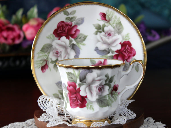 Queens Teacup & Saucer, Generous Roses Tea Cup, Heavy Gilt Trims, Bone China 16805