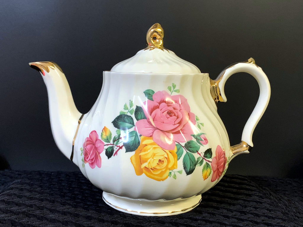Sadler Teapot, Pink & Yellow, Cabbage Roses Motif, Swirled Sadler Tea Pot J-478