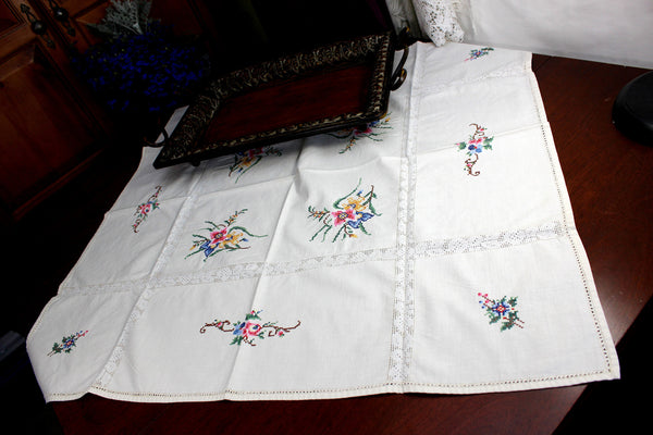 Small Vintage Tablecloth, Cross Stitched Linen Table Cloth, 12367 - The Vintage Teacup - 3
