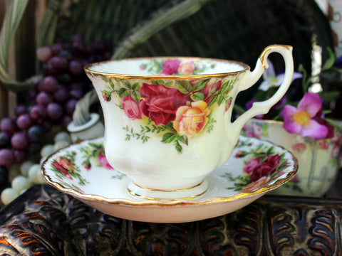 Royal Albert Old Country Roses Teacup Tea Cup and Saucer England 11051 - The Vintage Teacup - 1
