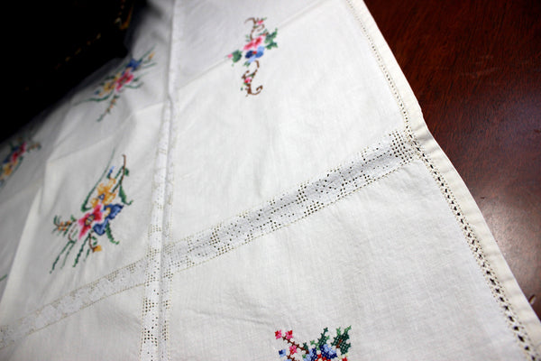Small Vintage Tablecloth, Cross Stitched Linen Table Cloth, 12367 - The Vintage Teacup - 2