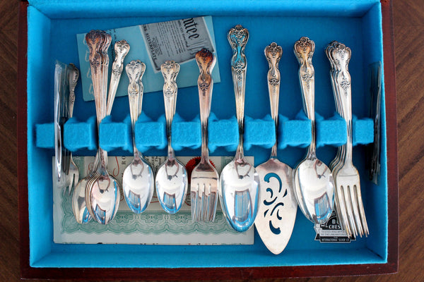 Rogers, Mission Rose, Silver Plate Flatware, With Storage Case,  55 pc - 15388