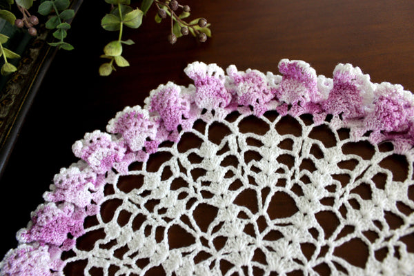 Fluted Edge Doily, Vintage Hand Crocheted, Fluted 3D Doily in White & Magenta Accents 15768