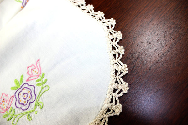 Embroidered Ecru Table Runner - Linen with Floral Motif and Crochet Edging 12757 - The Vintage Teacup