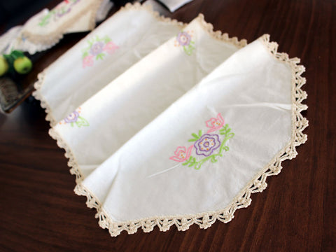 Embroidered Ecru Table Runner - Linen with Floral Motif and Crochet Edging 13203 - The Vintage Teacup