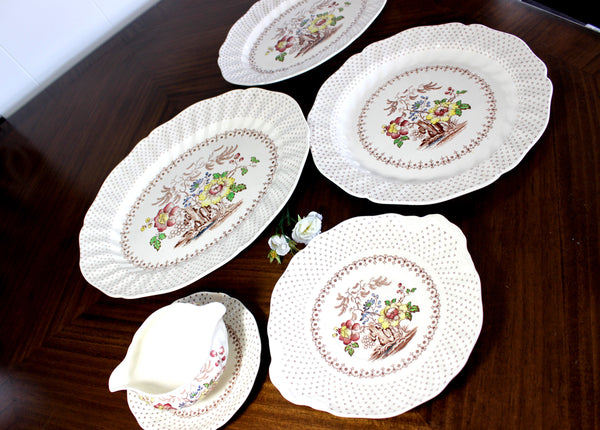 Grantham, Royal Doulton, 4 Large Platters, Gravy Boat, Plates, Made in England - The Vintage Teacup