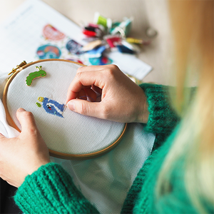 4 REASONS A MODERN CROSS STITCH KIT IS PERFECT FOR CRAFTY BEGINNERS