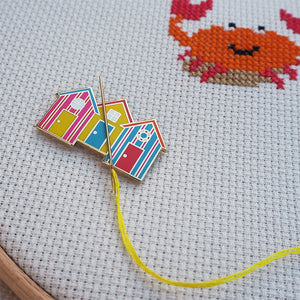 beach hut needle minder