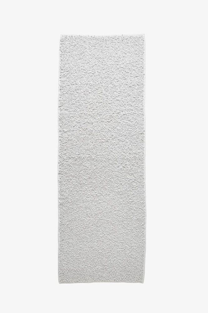 "Waterworks Bramble Bath Rug 25"" x 72"" in White/Gray"