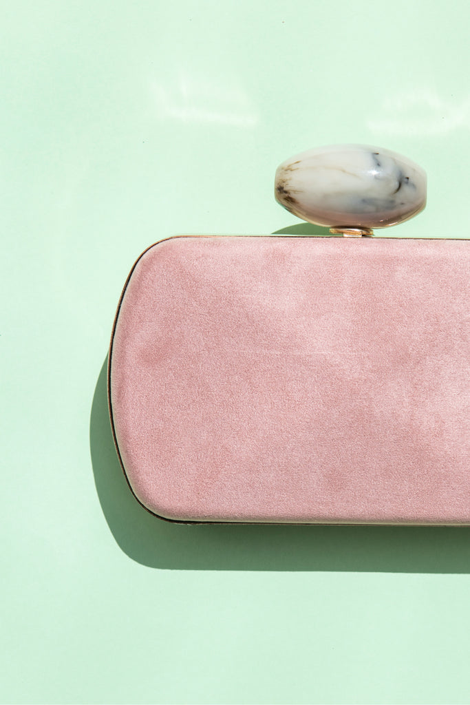 Clutch Box Hueso Suede Rosa SS19 - brunacoleccion bruna invitadaperfecta invitadaboda invitadabruna boda guest wedding