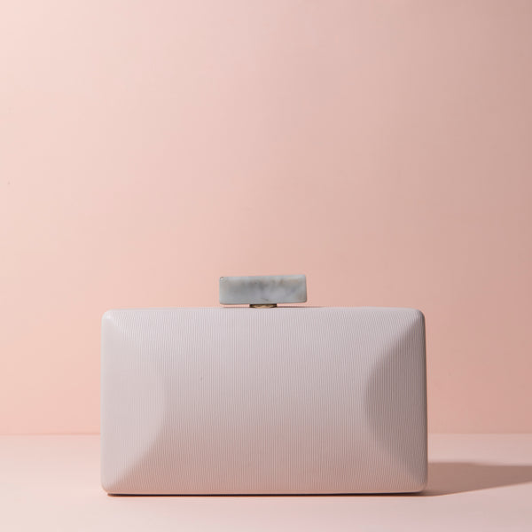 Clutch Box Hueso Kina Nude SS19 - brunacoleccion bruna invitadaperfecta invitadaboda invitadabruna boda guest wedding