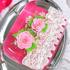 Edible lace with gelatin