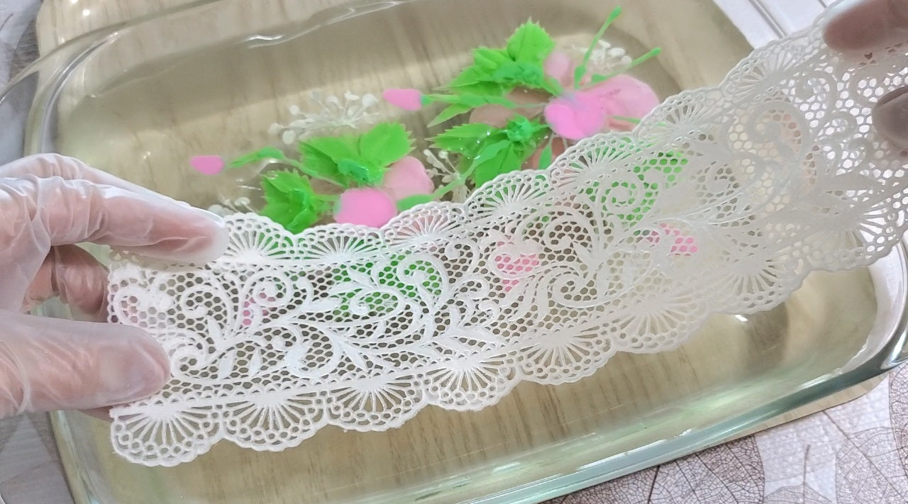 Edible lace