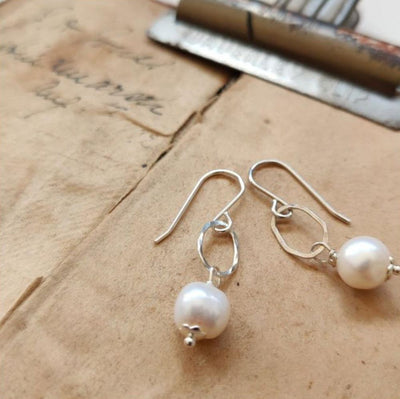 PAIRD Free Form Pearl Link Earrings Earrings - Zabecca Living