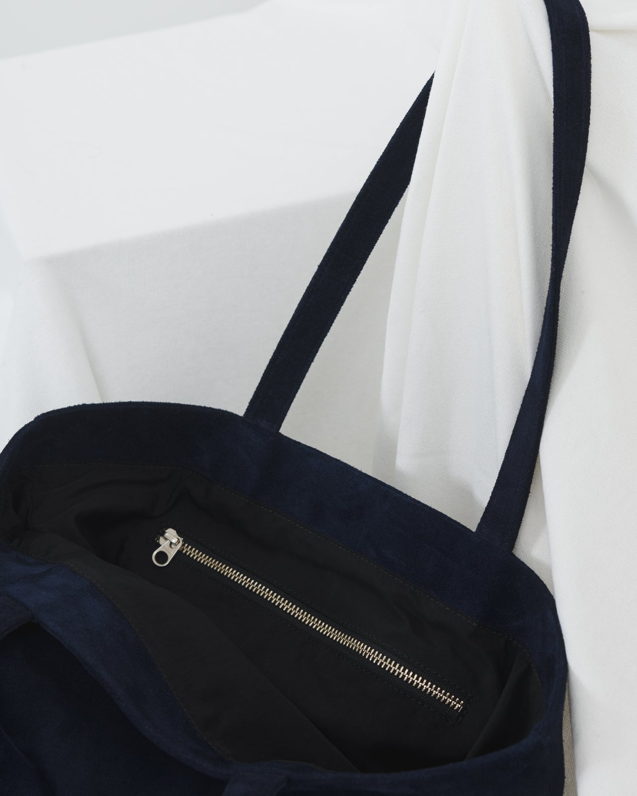 Basic Tote - Midnight Suede