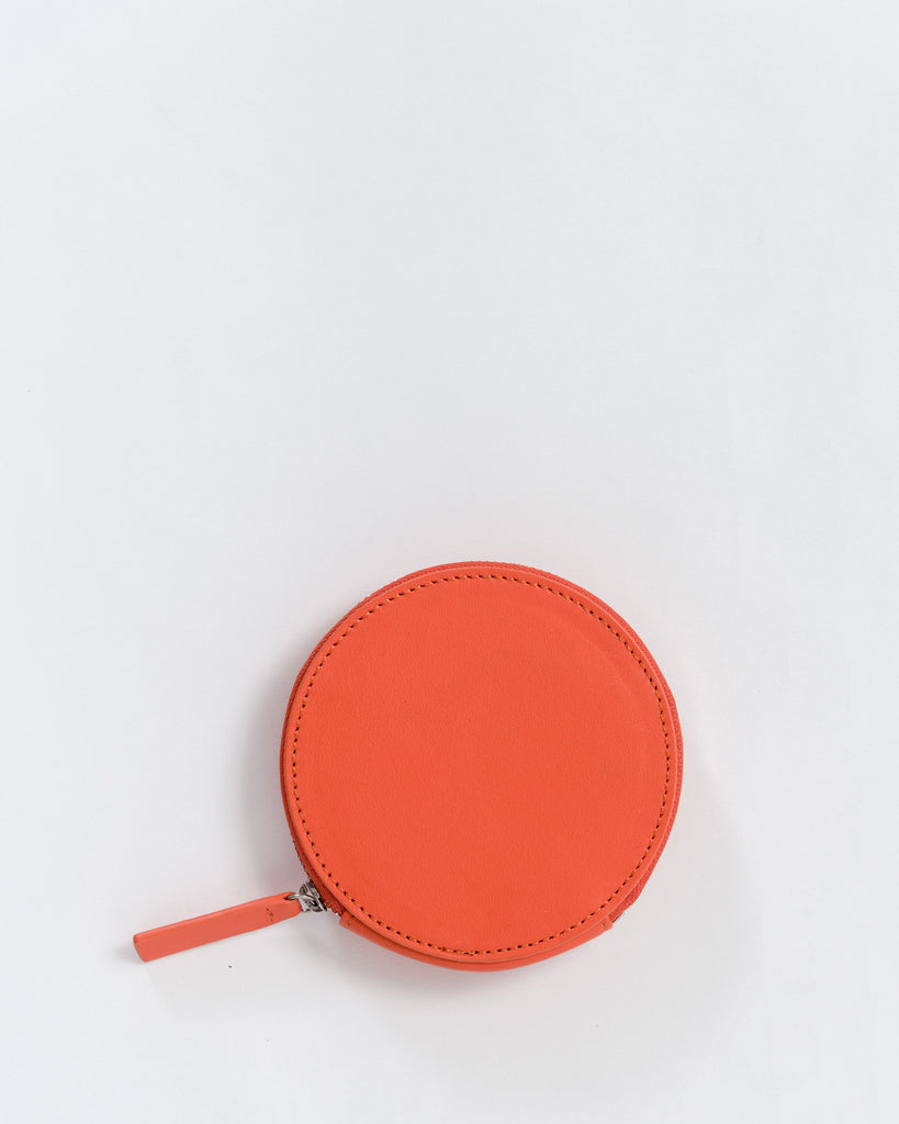 Circle Wallet - Leather Wallet - Warm Red - Red - A leather wallet in a circle shape with two card slots, center compartment for cash and brass zipper. - Tags: Circle wallet, leather wallet