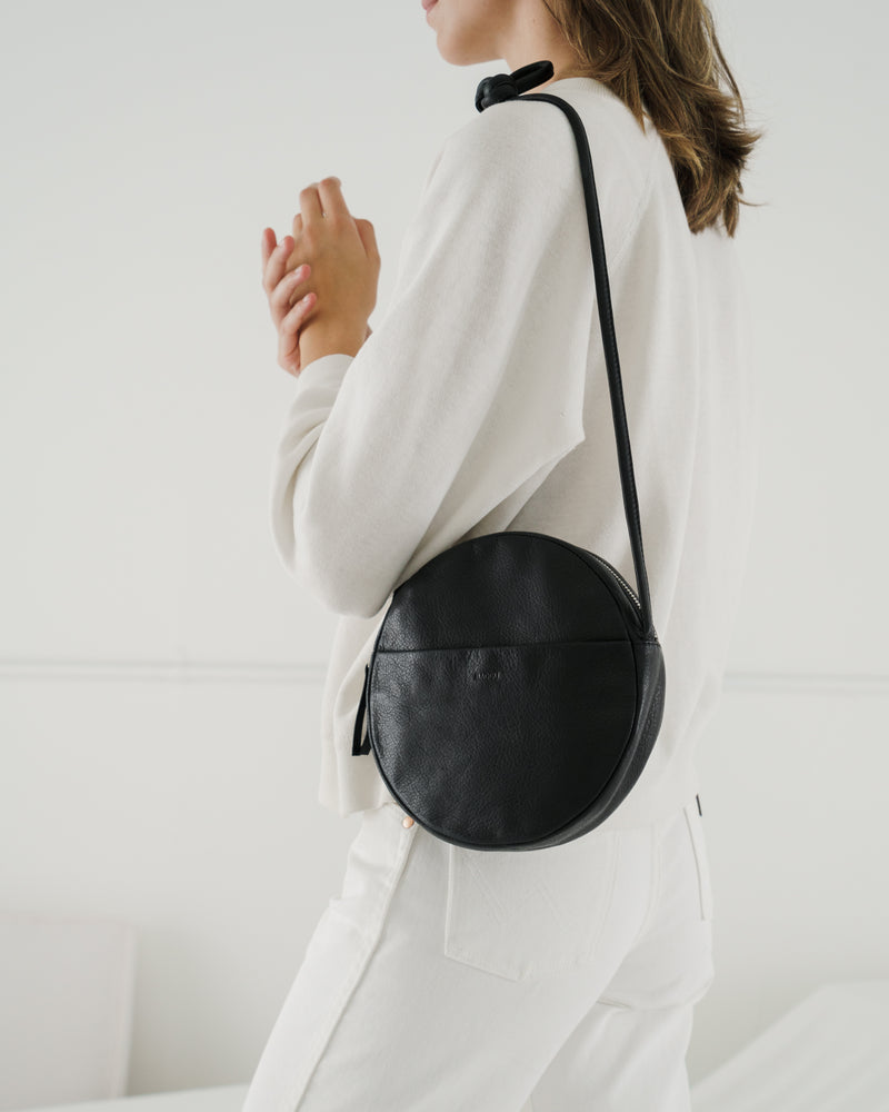 BAGGU Leather Soft Circle Purse - Black