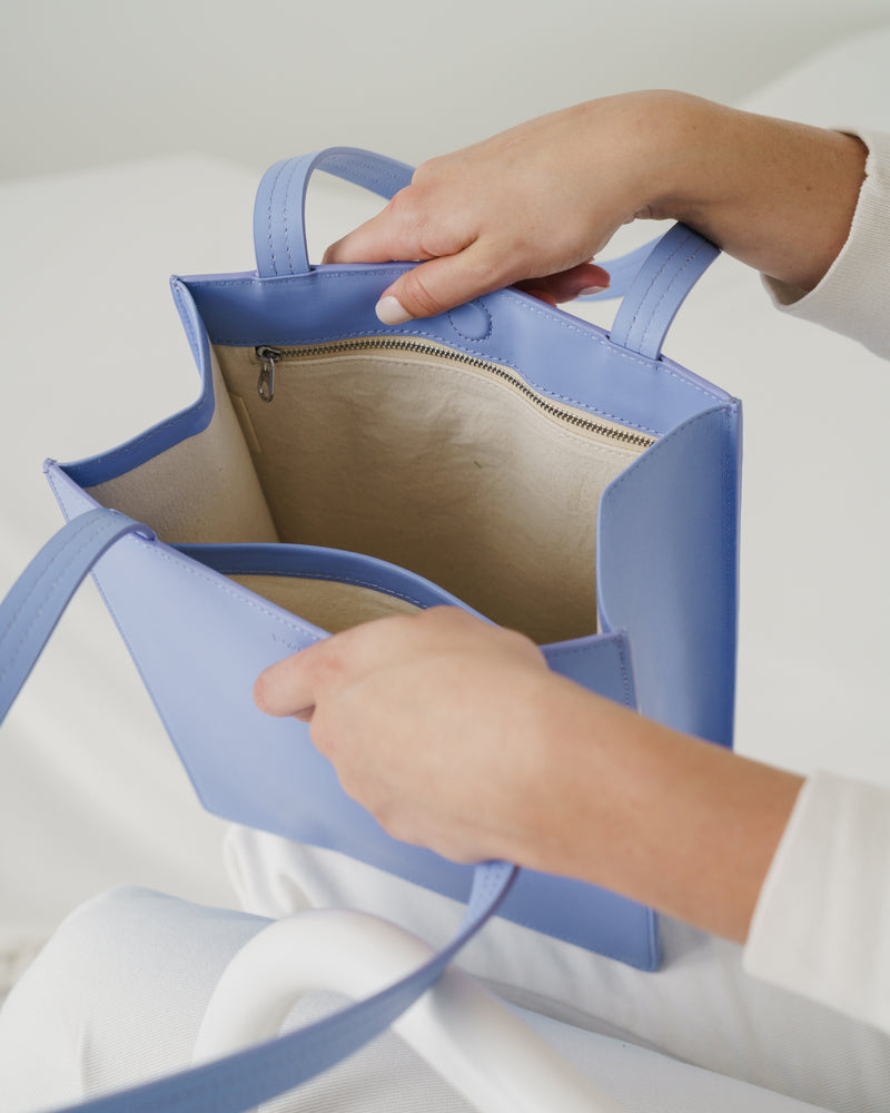 BAGGU  Medium Leather Retail Tote - Cornflower